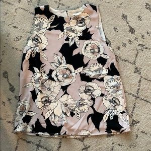 SLEEVELESS FLORAL BLOUSE